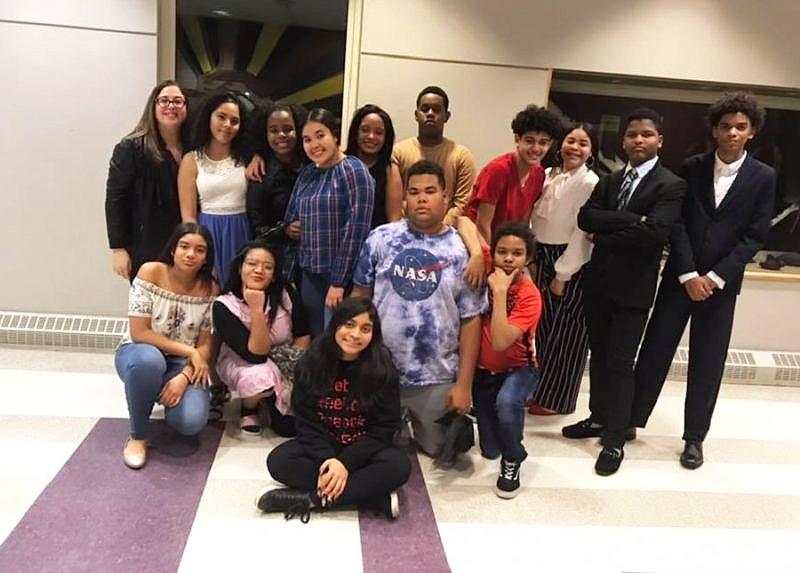 Escuela JANA imparte talleres de teatro en Massachusetts